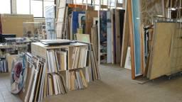 5000 Utrechtse kunstwerken staan te wachten in de Bossche loods van Onterfd Goed