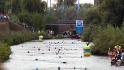 De eerste twee edities van Swim to Fight Cancer vonden plaats in Den Bosch.