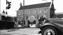 Het oude station van Den Bosch met klok