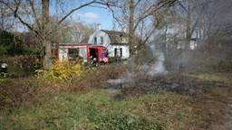 De brandweer had het vuur snel onder controle. (Foto: Jeroen Stuve/Stuve Fotografie).