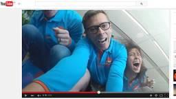 Net echt, dit ritje met de achtbaan (beeld: YouTube)