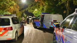 Politie massaal ter plekke in Oisterwijk (foto: Toby de Kort / De Kort Media)