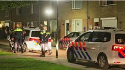 De politie kwam met vijf auto's naar de Amundsestraat.