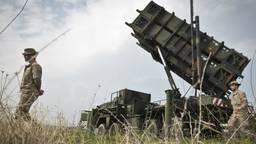 De militairen oefenen de komende jaren vaker op een simulator als de Patriots op missie zijn. (Foto: ANP)