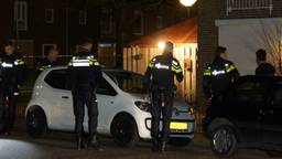 Politie doet ondezoek naar de schietpartij in Oudheusden. (Foto:FPMB/Martijn van Bijnen)