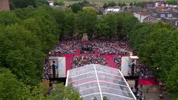 Een volgepakte Parade in Den Bosch voor de opera La Bohème