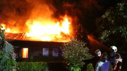 Brand in een loods van een kwekerij in Nuenen. Foto: Gabor Heeres / SQ Vision