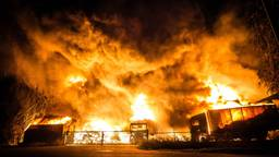De brand ontstond afgelopen zondag en duurde zes dagen. (Foto: Rob Engelaar)