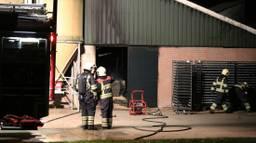 De brandweer bluste het vuur. (Foto: Bernt van Dongen/FPMB)