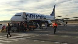 Een vliegtuig van Ryanair op Eindhoven Airport. (Foto: Hans Janssen).