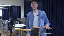 Thorwald speelt Theremin