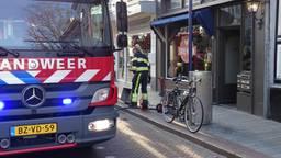De brandweer bluste het vuur. (Foto: AS Media)