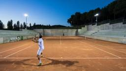 Een tennisbaan in Philips led-licht