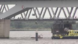 Remko hing onder de HSL-brug