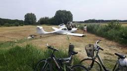 Het vliegtuig is gecrasht bij het Helvoirts Broek. (Foto: Jan Pijnenburg)