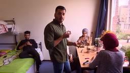 Nasim woont met zijn familie als één van de laatsten in de noodopvang in Tilburg