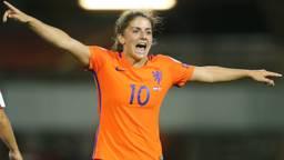 Daniëlle van de Donk speelt dinsdagavond haar honderdste interland. (Foto: VI Images.)