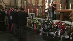 Er worden kransen gelegd tijdens de herdenking in Geldrop