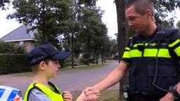 Ole en jeugdagent Niels Kanters.
