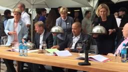 De jury aan het werk