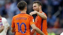 Vincent Janssen en voormalig PSV'er Davy Pröpper in Oranje (foto: VI Images).