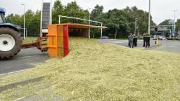 Twee rijstroken waren versperd. (Foto: Jules Vorselaars/JV-Media)