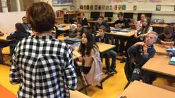 Juf Lian en haar leerlingen tijdens een anti-pest les