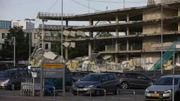 De parkeergarage bij Eindhoven Airport stortte eind mei 2017 gedeeltelijk in (foto: archief).