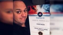 Frans is ontzettend blij met de prijs (Foto: Instagram Frans Bauer)