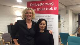 Mantelzorgster Yvonne (links) met collega Esther