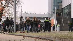 Veel commotie op Campus 013 in Tilburg. (Foto: Omroep Brabant)