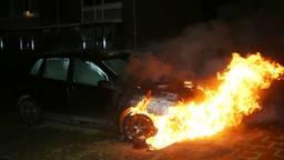 Rond kwart over een werd het vuur ontdekt. (Foto: Bart Meesters/Meesters Multi Media)