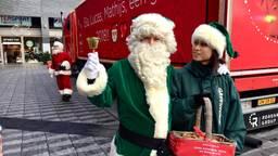 Dichter bij het schudden van een hand kwamen de kerstmannen niet