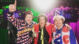 Snollebollekes samen met Coen en Sander. (Foto: Instagram/Snollebollekes)