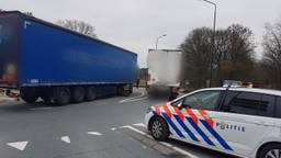 De chauffeur koos een onhandige plek uit om zijn zaken te regelen. (Foto: Politie Geldrop-Mierlo)