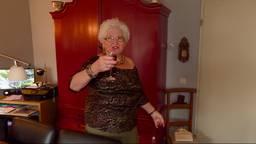 Marianne houdt wel van een glaasje.