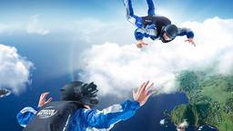 Parachutespringen boven Hawaï of Dubai kan nu gewoon thuis in Brabant. (Foto: Tunnel Vision VR)