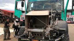 De truck van Ton van Genugten, zonder motorkap