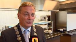 Oosterhoutse burgemeester Stefan Huisman nu definitief ontslagen na handtekening koning