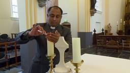Pastoor Joe in 'zijn' kerk in Schijndel