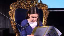 (Koningin) Lorelei leest de troonrede voor (foto: Raymond Merkx).
