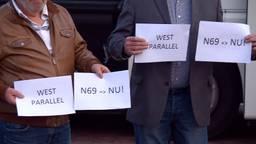 Actiegroep Leefbaar Valkenswaard voert stil protest bij de Raad van State