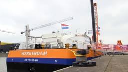 Kraanschip Werkendam is een stuk milieubewuster dan zijn voorgangers.