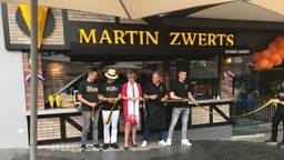 De opening van de frietzaak in Singapore.