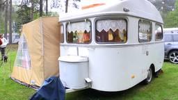De oldtimer caravans staan al klaar