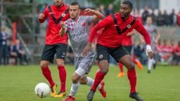 Doelpuntenmaker Ahmed el Azzouti in actie tijdens de wedstrijd tegen AFC (foto: OrangePictures).