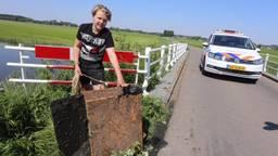Dave (13) met 'zijn'kluis in Rosmalen