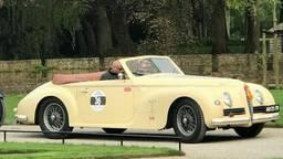 De gestolen Alfa Romeo sportwagen. (foto: Jeroen Branderhorst/Facebook)