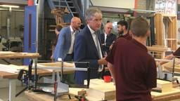 Arie Slob op bezoek bij het Kempenhorst College