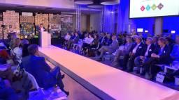 Tijdens de opening van de Dutch Technology Week vertelt ASML-topman Frits van Hout dat er 120.000 mensen nodig zijn. (Foto: Edwin Vossen)